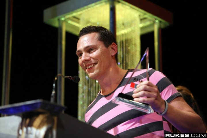 Tiesto wins two International Dance Music Awards 2010!