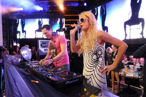 Tiesto kicks of his residency at XS together with Paris Hilton